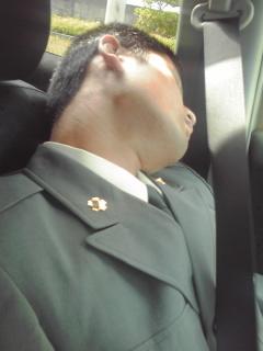 車中戦士の休息090504_1517~01