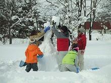 100213雪積み競争