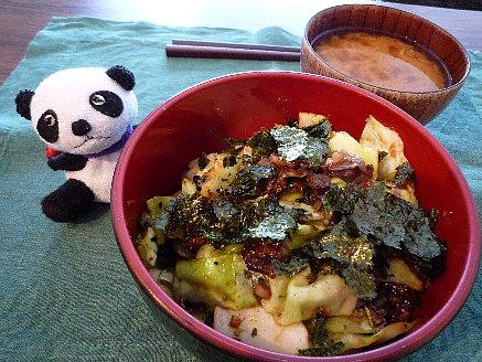 牛肉とキャベツのピリ辛丼