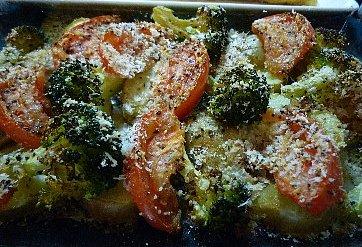 ポテトとブロッコリーとトマトのハーブグリル