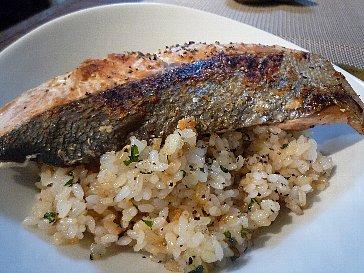 ガーリック炒飯の鮭丼