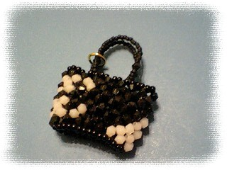 ビーズバッグ カンボンライン黒×ピンク2