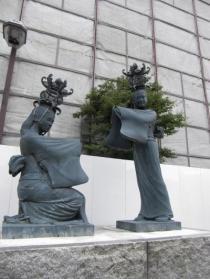 灯籠娘銅像