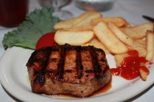 JBrunersRestaurantIowachop.jpg