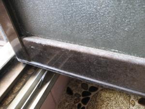 奈良 ハウスクリーニング 浴室 ドア 水垢 掃除