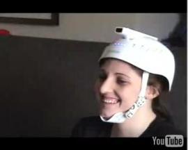 究極のキワモノコントローラー 「Wiiヘルメット」