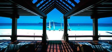 pulo_beach_club1_hp.jpg
