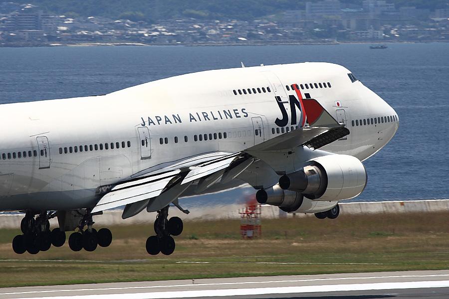 JAL B747-446 JA8073其の壱@関西国際空港/2007.6.23(by EOS Kiss Digital X with EF100-400mm F4.5-5.6L IS USM)