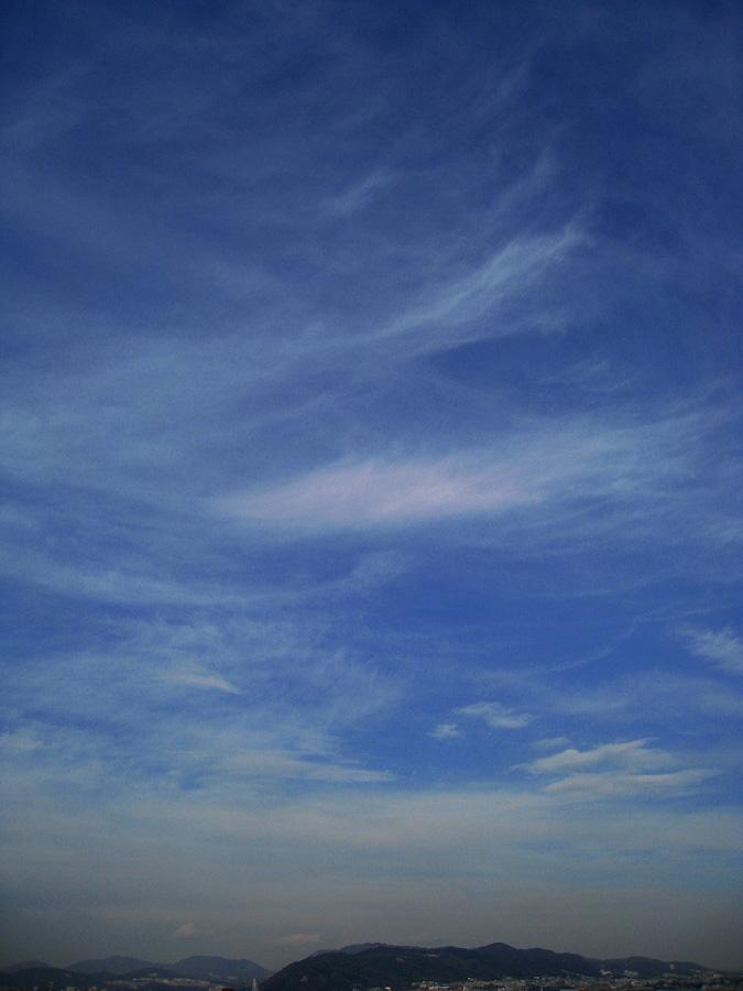今日昼下りの空@休憩(by IXY DIGITAL 910IS)