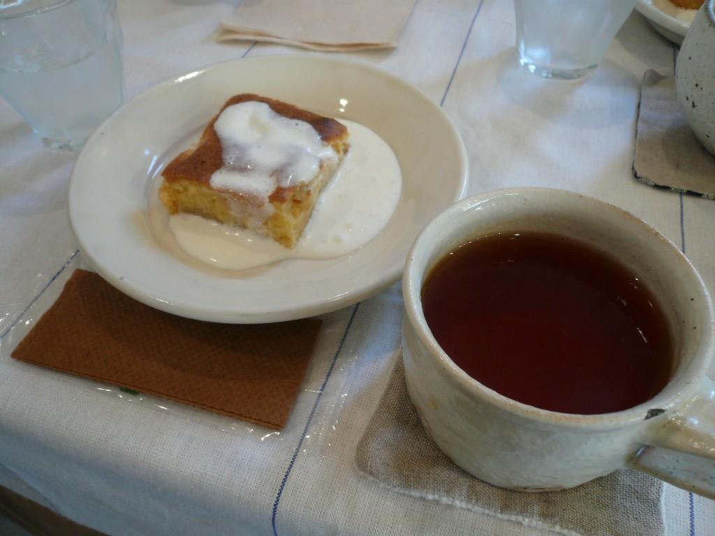 apple cake & tea ...