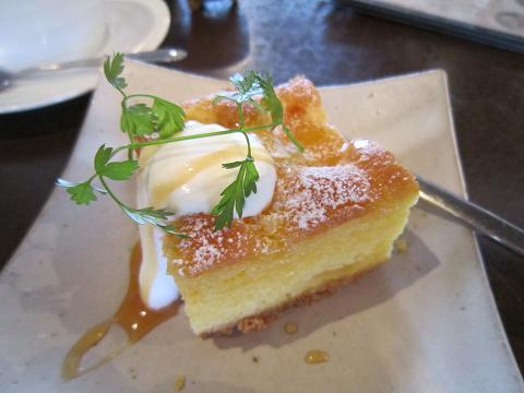 パイナップルバターケーキ