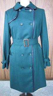 緑ロングコート