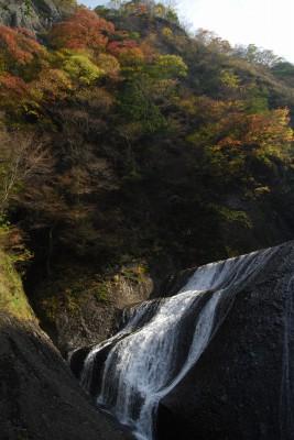 s-09・11・05袋田の滝 007