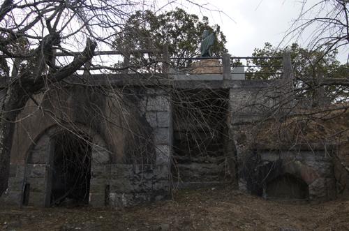 高烏要塞の清盛像