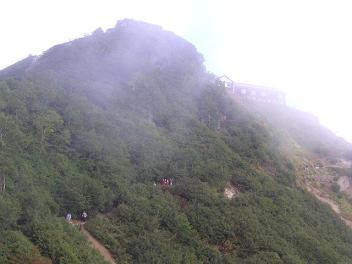 天空の城、燕山荘が。。