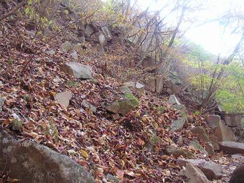 岩岩岩の道に