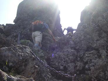 クサリのある岩登り