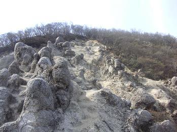 キノコ岩・・だそうです。