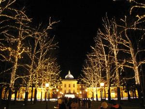 光の宮殿前2