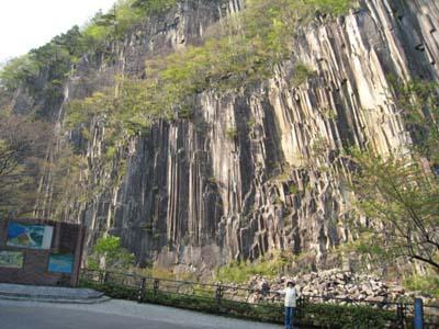 材木岩 4