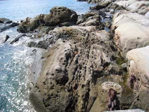 みのこし岩1