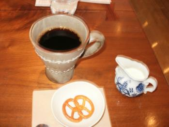 P3021141カフェはなりサイズ