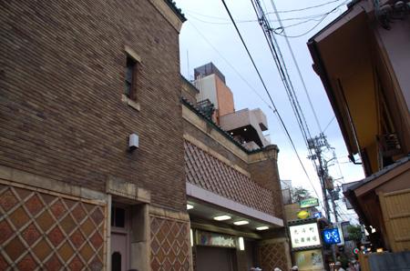 先斗町歌舞練場4