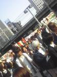 水道橋駅を下りた辺り。X JAPANのライブが余所でやってるようだったので…それ系のグッズ売ってる店が露店立ててた。あと駅前にはチケット買いませんかの札持った人が7,8人ほど…