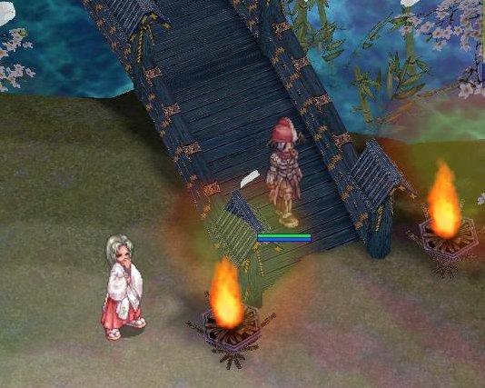 紅白帽クエストやって、巫女様と、橋げたでパシャ(きっとエライ迷惑だろうw