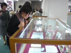 楊さん@図書館2