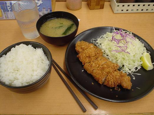 チキン亭津田沼南口店にてチキンカツ定食003