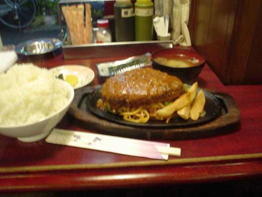小岩のレストラン喫茶タクトのハンバーグ定食004