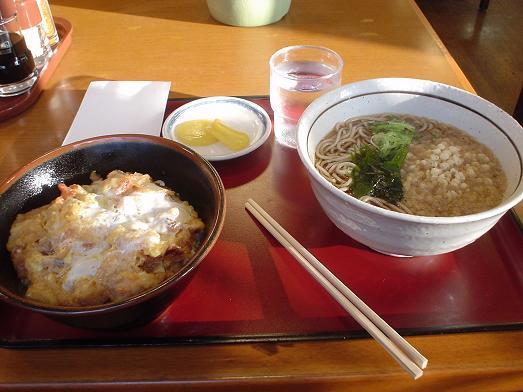 山田うどんのかき揚げ丼セットはボリューム満点でお得!016