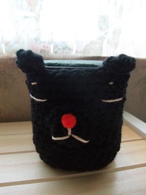 編みネコ花瓶