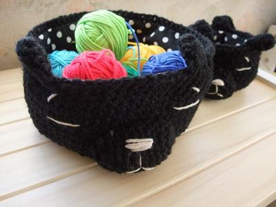編みネコバスケット