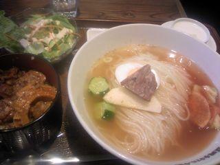 盛岡手打ち冷麺セット@房家 (本郷)
