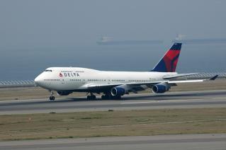 DELTA Air Lines B747-400