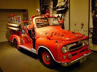 トヨタトラック(FH24型)ベースの消防車