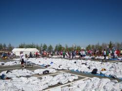 白いゴミ袋がいっぱい落ちていました