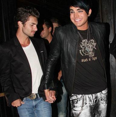 アダムが連れてるボーイフレンドはいつもイケメンです。