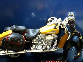 バイクと女