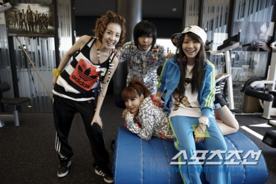 2ne1_interview_exclusive_1.jpg