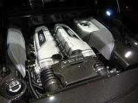 R8のエンジン