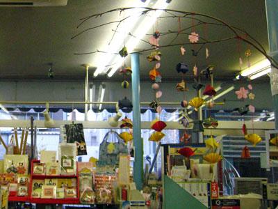 紙店の手作り雛祭り