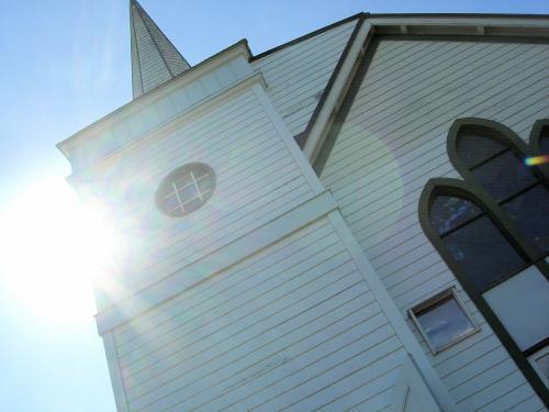 光射す教会