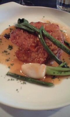 ブラッスリー ジョンティのランチ メイン 鶏のモモ肉