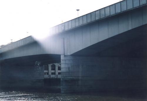 光さすロンドン橋_convert_20110628212400