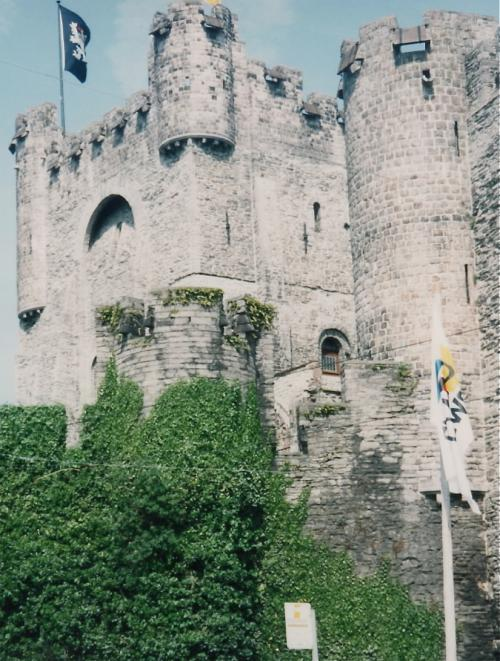 フランドル伯の城