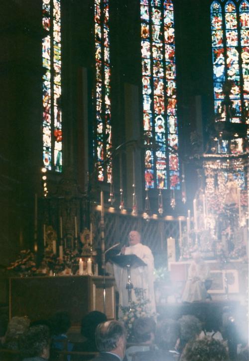 どこぞの教会内部_convert_20110727155752