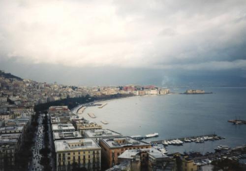 ナポリの港町